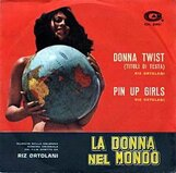 Постер к фильму «Женщина в мире»