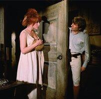 кадры и фото из фильма Бесстрашные истребители вампиров