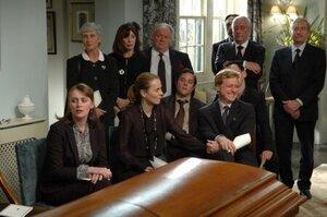 кадры и фото из фильма Смерть на похоронах