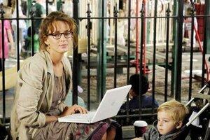 кадры и фото из фильма Материнство