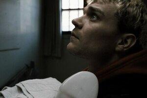 кадры и фото из фильма Заключенный R