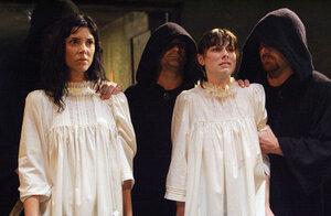 кадры и фото из фильма Гробница