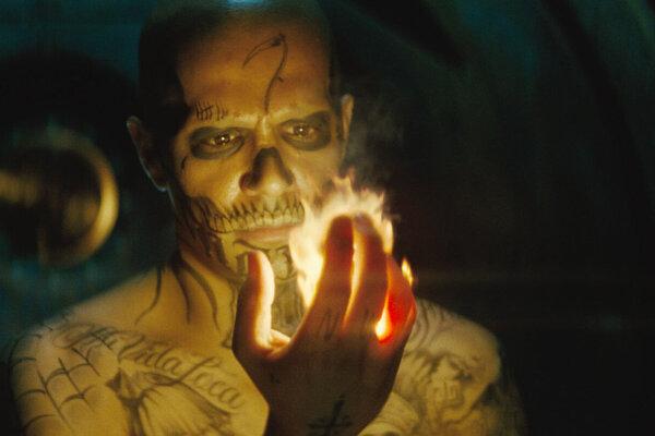 отряд самоубийц фото огненного человека