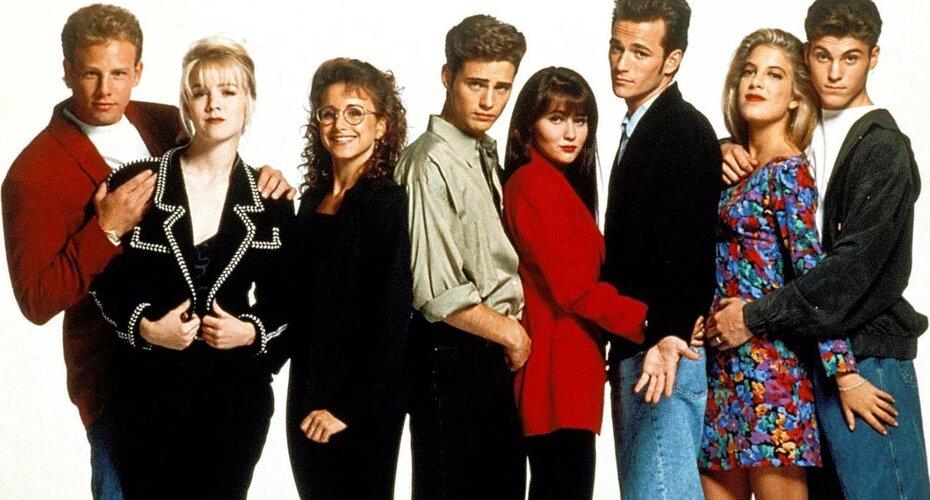 Любовь, секс и консьюмеризм: Как «Беверли-Хиллз, 90210» смотрится из 2019-го