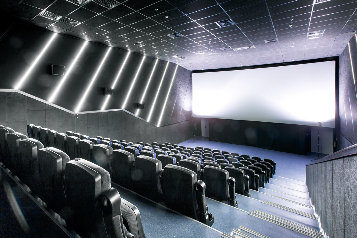 Билет в парк хаусе в кино на завтра билеты в театр