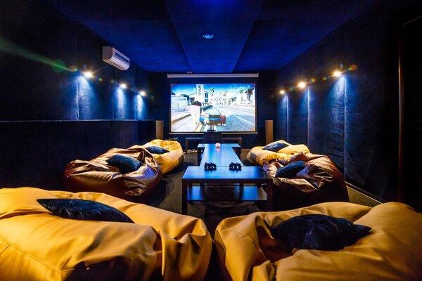 фотография киноклуба Lounge 3D cinema на Чистопольской ─ Средний зал