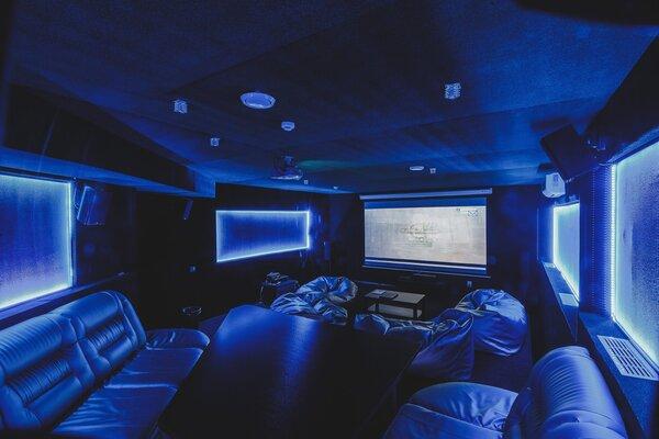 фотография киноклуба Lounge 3D cinema на Чистопольской ─ Большой зал вторая проекция