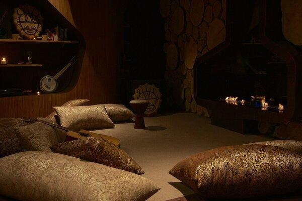 """фотография киноклуба Киноклуб """"Киноманы"""" (кинотеатр закрыт) ─ Зона с подушками"""