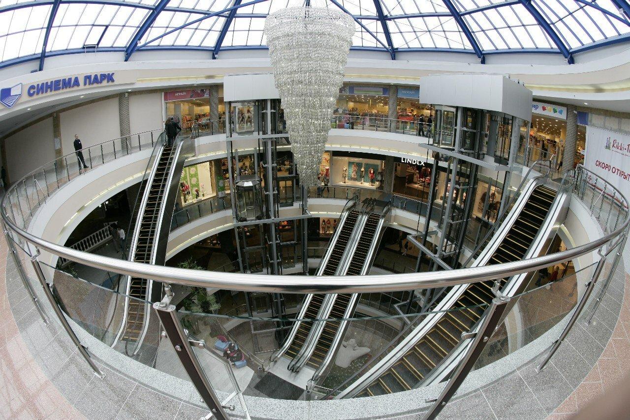 bb0b088ddbb ТРЦ «Фантастика» - крупнейший торгово-развлекательный центр Нижнего  Новгорода и Нижегородской области площадью более 160 тысяч квадратных  метров.