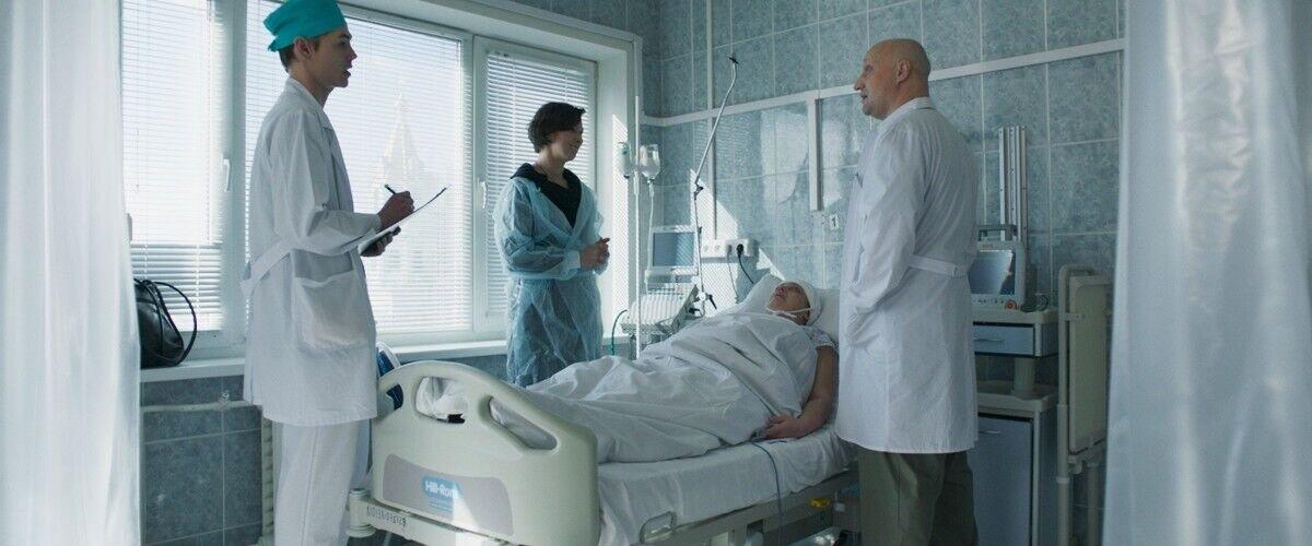 Лучшие фильмы про врачей на Вокруг ТВ