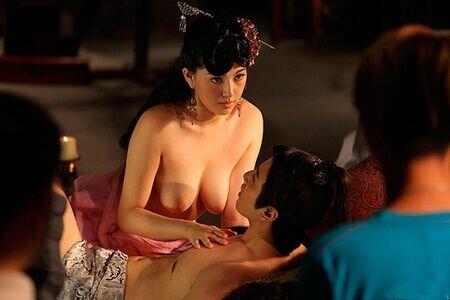 девушки эротика в азиатском кино согласилась