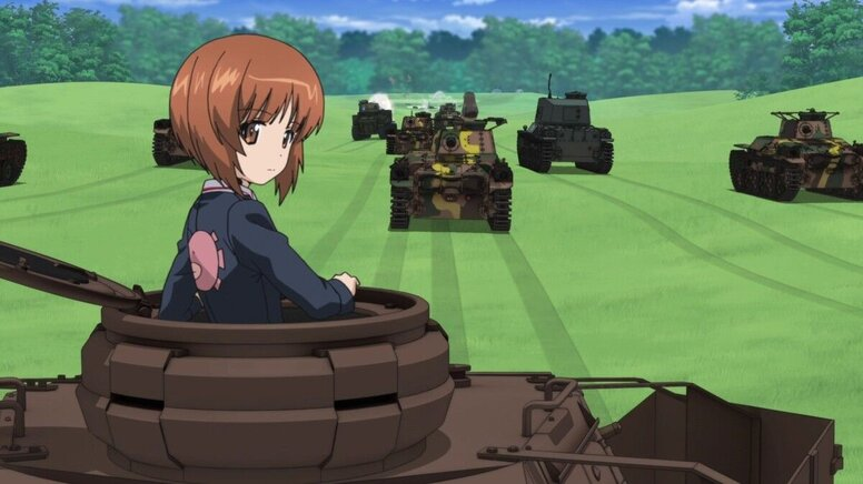 «Девушки и танки»: Рецензия Киноафиши