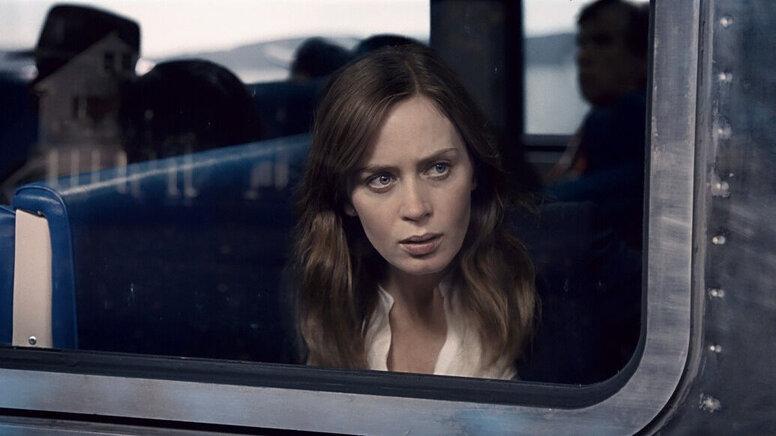 «Девушка в поезде»: Рецензия Киноафиши