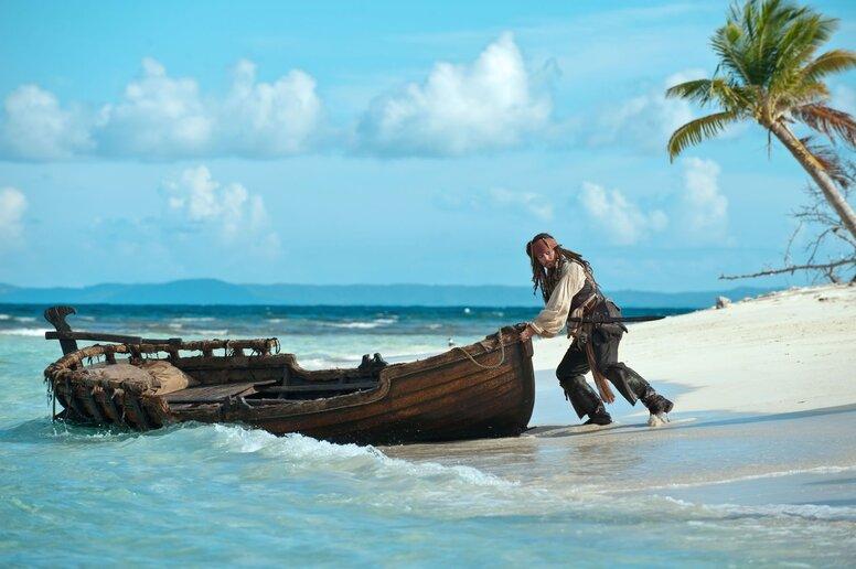 «Пираты Карибского моря: На странных берегах»: Рецензия Киноафиши
