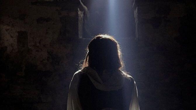 «Присягнувшая тьме»: Рецензия Киноафиши