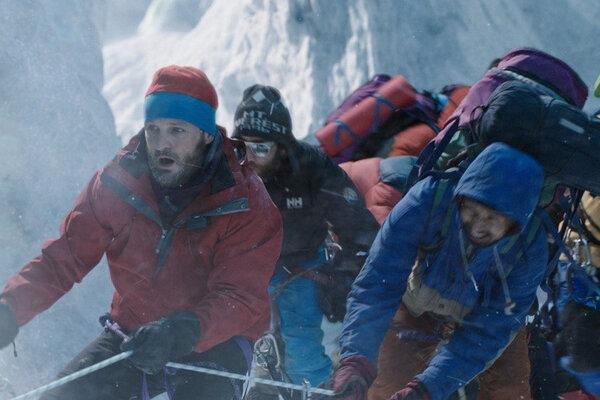 кадры и фото из фильма Эверест IMAX