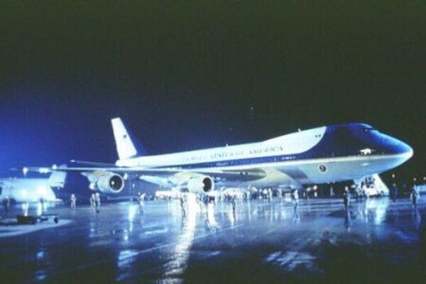 кадры и фото из фильма Самолет Президента