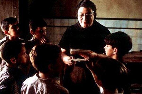 кадры и фото из фильма Хребет дьявола