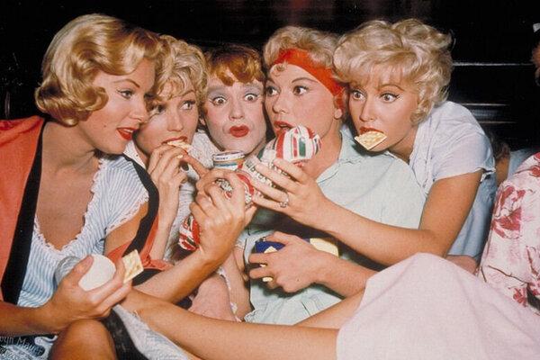 кадры и фото из фильма В джазе только девушки