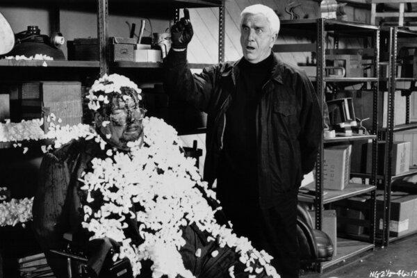 кадры и фото из фильма Голый пистолет 2 1/2: Запах страха