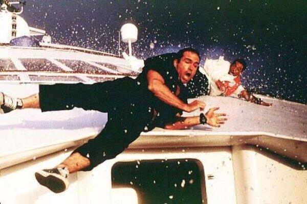 кадры и фото из фильма Скорость 2: контроль над круизом
