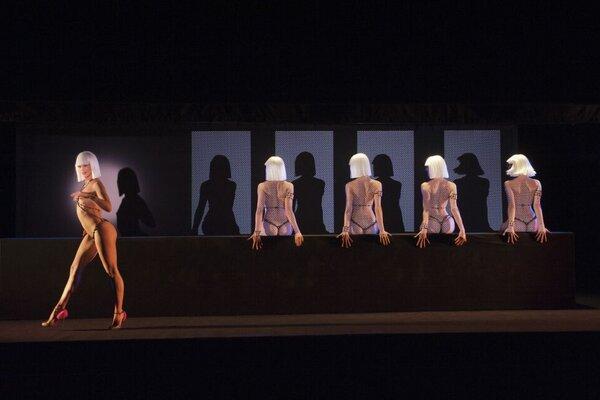 кадры и фото из фильма Огонь Кристиана Лубутена 3D