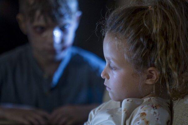 кадры и фото из фильма По ту сторону двери