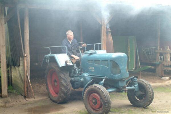 кадры и фото из фильма Цельнометаллическая деревня