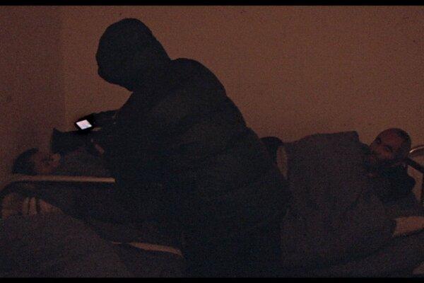 кадры и фото из фильма Ночь и туман в зоне