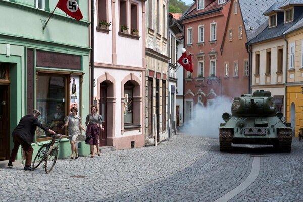 кадры и фото из фильма Т-34