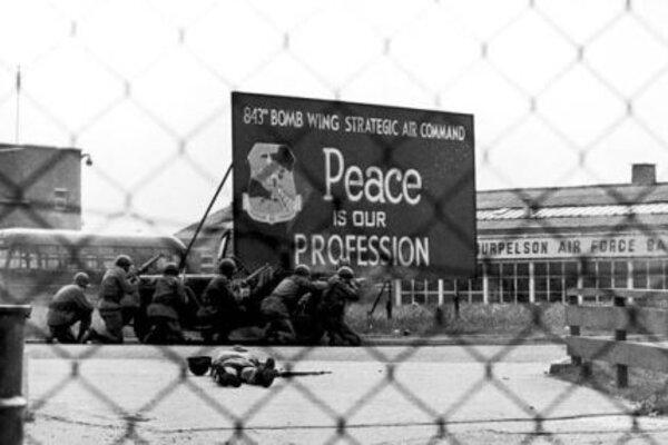 кадры и фото из фильма Доктор Стрейнджлав, или Как я научился не волноваться и полюбил атомную бомбу