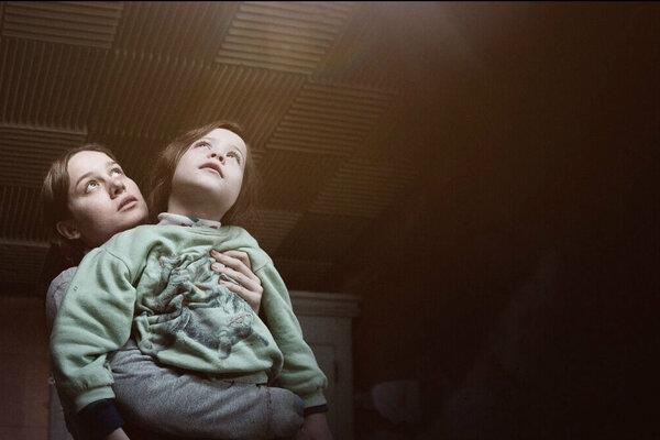 кадры и фото из фильма Комната