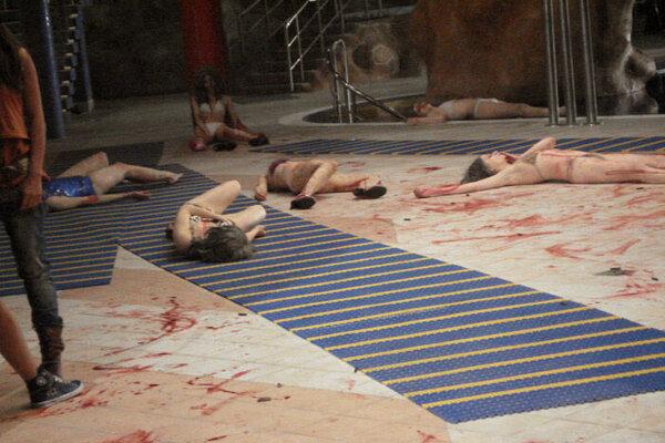 кадры и фото из фильма Zомби каникулы
