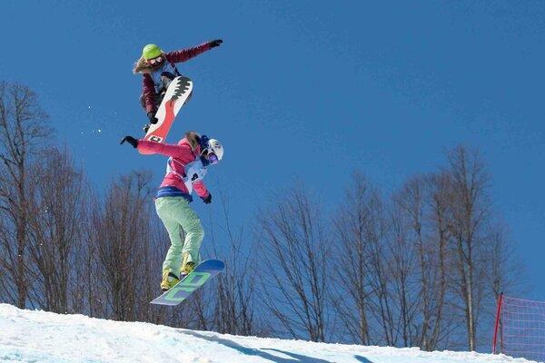 кадры и фото из фильма В спорте только девушки
