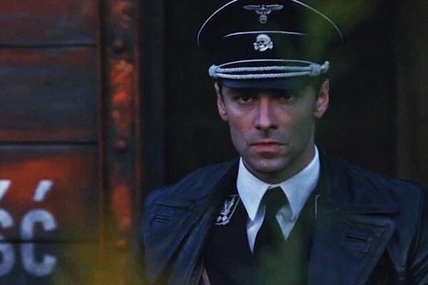 кадры и фото из фильма Человек, который убил Гитлера и затем снежного человека