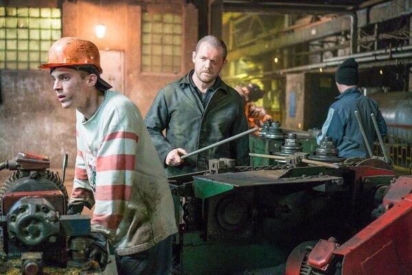 кадры и фото из фильма Завод