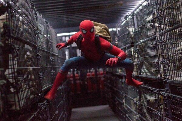 кадры и фото из фильма Человек-паук: Возвращение домой
