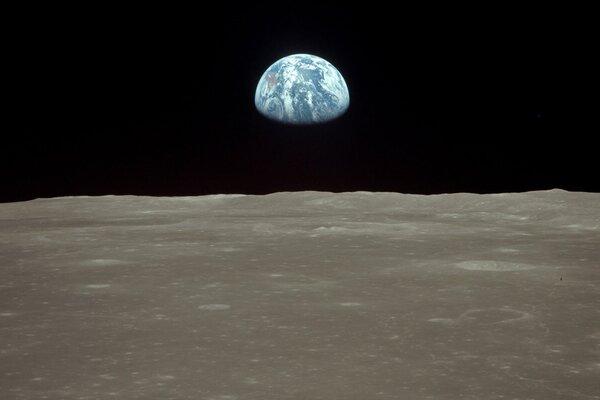 кадры и фото из фильма Ради всего человечества