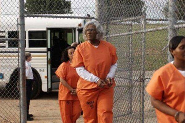 кадры и фото из фильма Медея в тюрьме