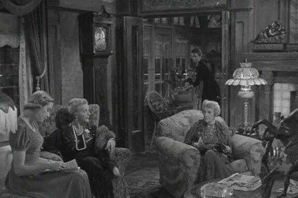 кадры и фото из фильма За отдельными столиками