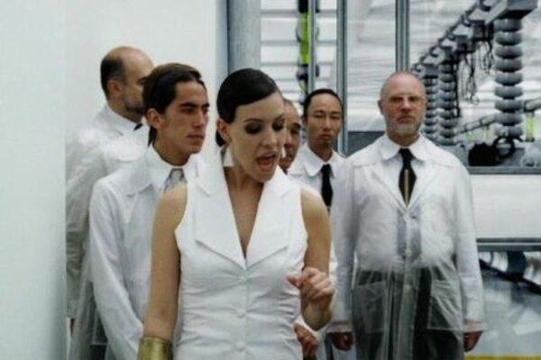 кадры и фото из фильма Земля 2033