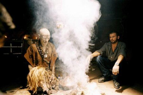 кадры и фото из фильма Первобытное зло