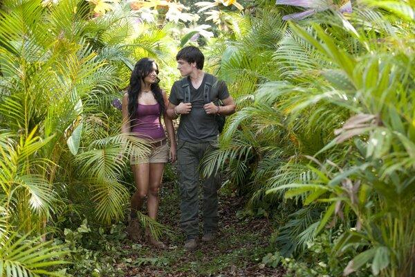 кадры и фото из фильма Путешествие 2: Таинственный остров IMAX 3D