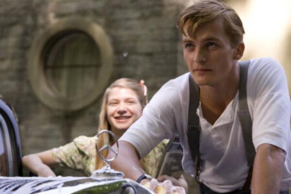 кадры и фото из фильма Мальчик в полосатой пижаме