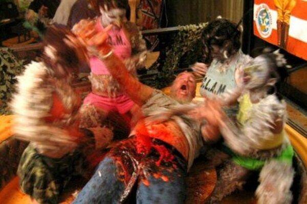 кадры и фото из фильма Атака куриных зомби
