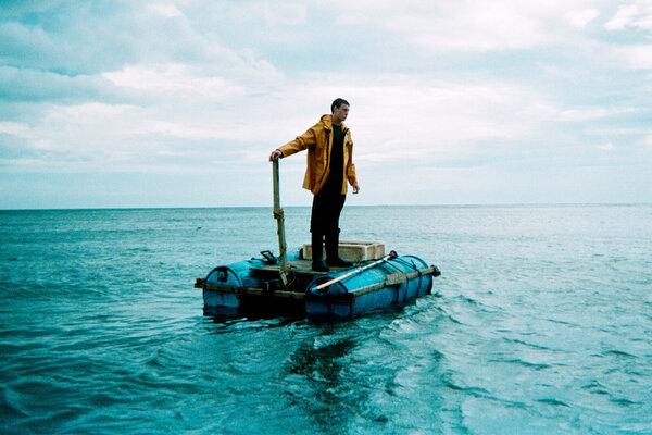 кадры и фото из фильма За тех, кто в море