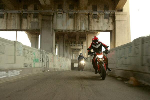 кадры и фото из фильма Калифорнийский дорожный патруль