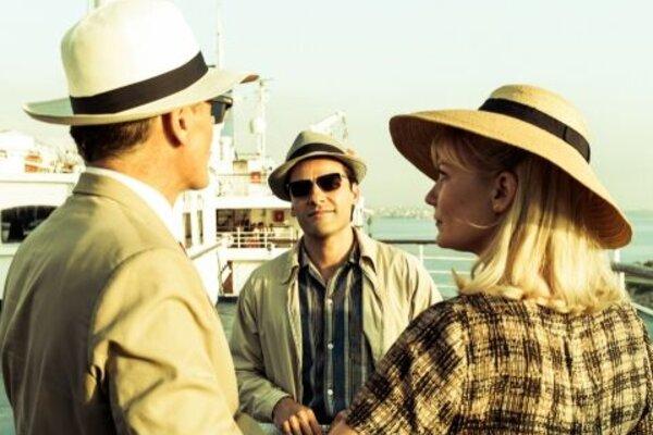 кадры и фото из фильма Два лика января