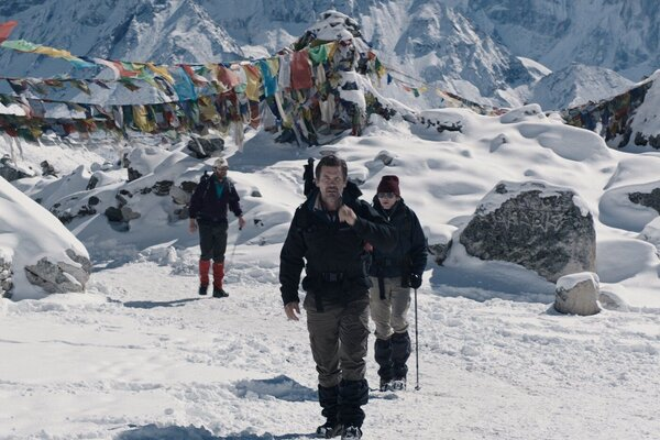 кадры и фото из фильма Эверест