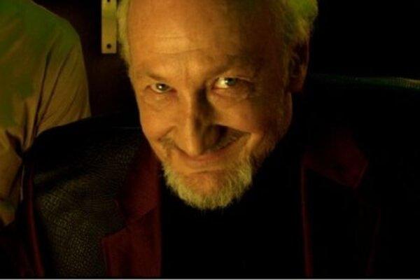 кадры и фото из фильма Зомби-стриптизерши